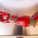 Emoționant! Un puști simpatic primește un braț robotic chiar din partea actorului Robert Downey Jr. (Iron Man)