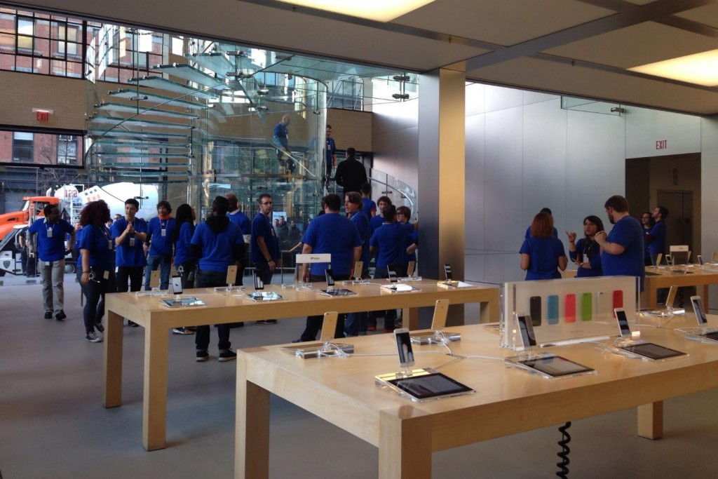 iphone-6-inside-apple-store