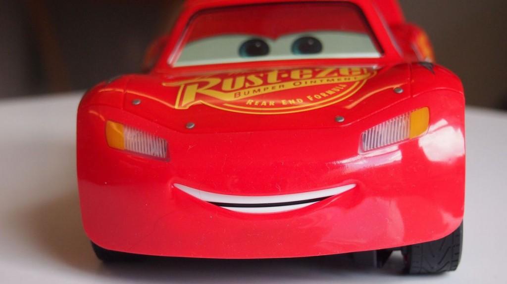 Fulgerul-McQueen-Cars (1)