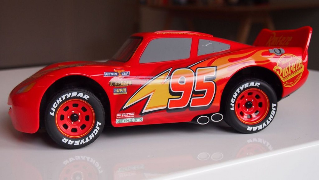 Fulgerul-McQueen-Cars (2)