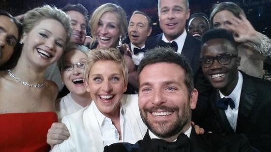 Oscars-Twitter-Selfie