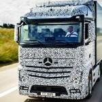 Șoferi! Mercedes Benz a prezentat primul camion care se conduce singur