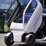 Mașina viitorului: se conduce din lateral și își schimbă forma
