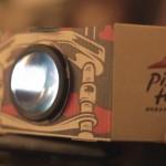 Ingenios! Pizza Hut oferă un mini proiector odată cu pizza comandată
