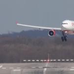 Super pilot! Pe un vânt teribil, acest Airbus aterizează spectaculos