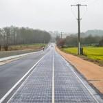 PREMIERĂ – Un sat din Franța a integrat panouri solare pe șosea