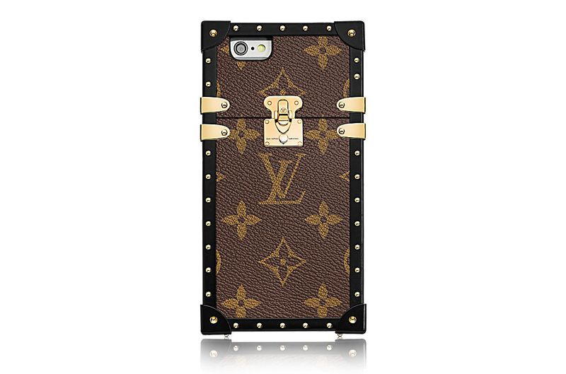 louis_vuitton_eye_trunk_for_iphone_7_monogram_canvas_technical_cases__M64479_PM2_Front_view
